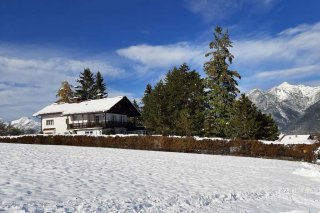 04a_villa_wilhelmine_oberperfuss_winter.jpg